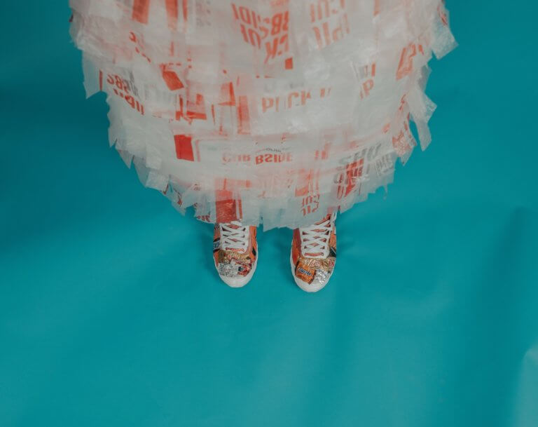 scarpe in plastica riciclata